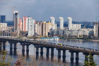 Вид на Днепр и мост Патон. Киев, Украина
