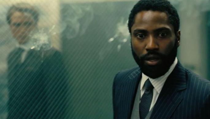 Кадр из фильма «Довод» (2020)