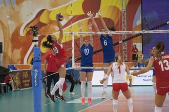Женская сборная России по волейболу неожиданно уступила команде Турции в четвертьфинале чемпионата Европы