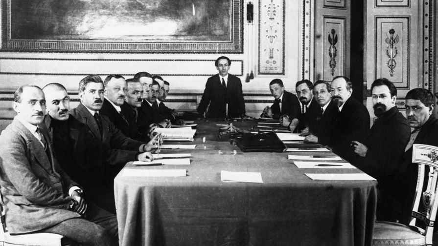 Московский договор — «договор о дружбе и братстве», подписанный 16 марта 1921 года в Москве представителями правительства Великого национального собрания Турции и правительства РСФСР