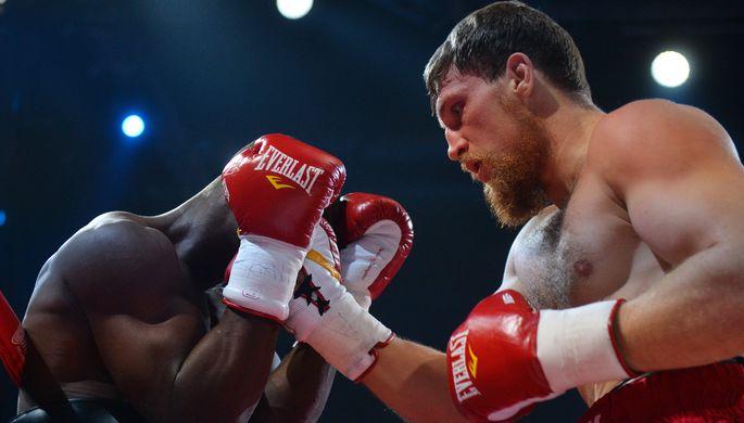 Дмитрий Кудряшов (справа) хочет отомстить Оланреваджу Дуродоле за поражение в бою полуторагодичной давности