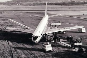 Борт 42505 сразу после посадки, 23 апреля 1973 года