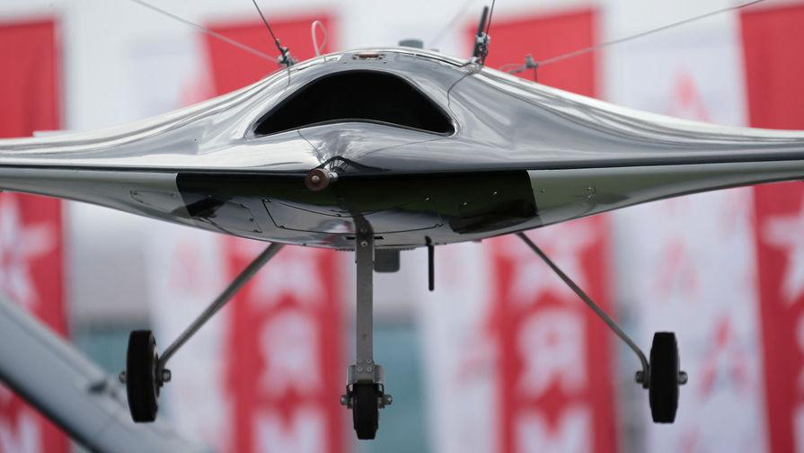 Минобороны показало первые полеты беспилотника «Охотник»
