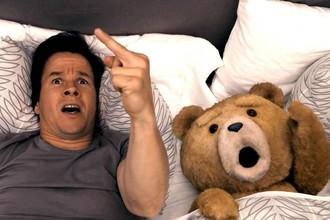 Фильм Сета Макфарлейна «Третий лишний» получил 7 номинаций на премию MTV Movie Awards
