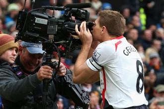 Капитан «Ливерпуля» Стивен Джеррард мог оформить хет-трик с пенальти в матче против «Манчестер Юнайтед»