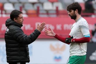 Ведран Чорлука (справа) и главный тренер «Локомотива» Игорь Черевченко