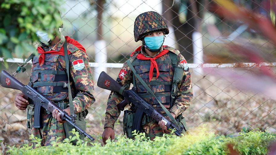 Властям Мьянмы объявили партизанскую войну