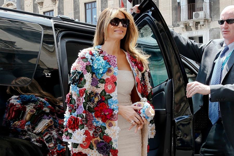Мелания Трамп впальто Dolce&Gabbana насаммите G7