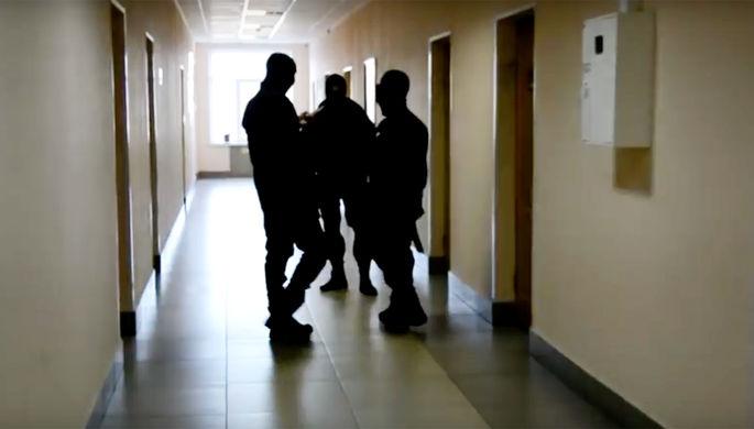 Во время обысков в кабинетах экс-главы министерства краевого сельского хозяйства Михаила Кузьминова...
