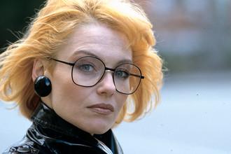 Эстрадная певица Ирина Понаровская, заслуженная артистка РСФСР, 1988 год