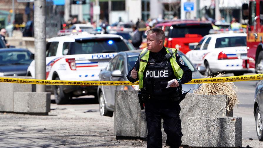 СМИ: при наезде фургона в Торонто погибли пять человек