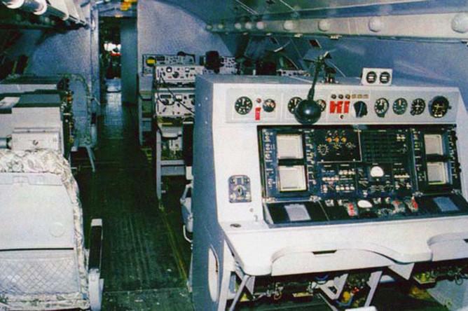 Рабочие места операторов на Ил-20М