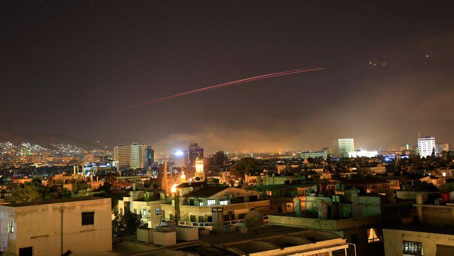 Взрывы в небе: сирийская армия отразила удар по Дамаску