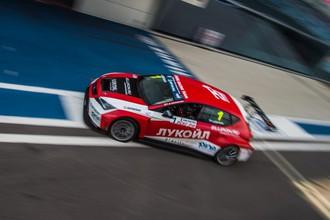 Русские гонки в Сочи: наперегонки с саранчой