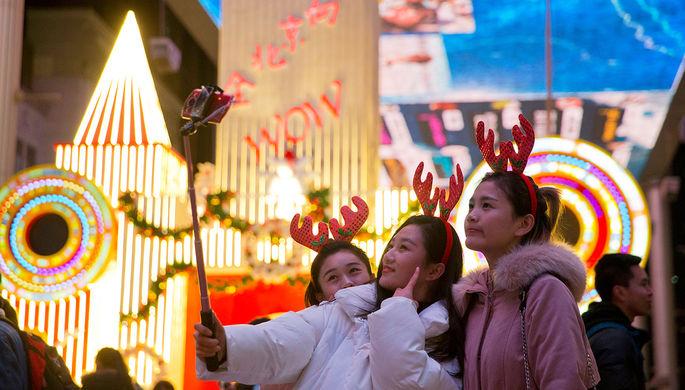 В одном из торговых центров Пекина, Китай, 24 декабря 2017 года