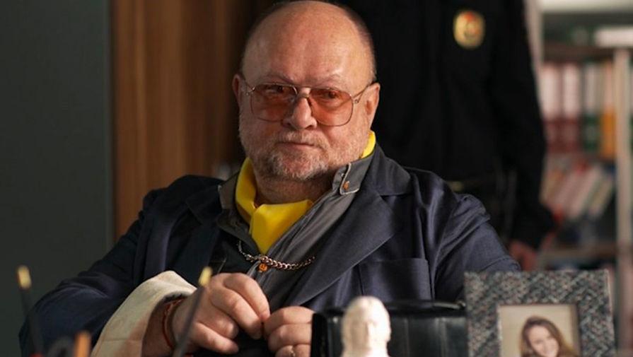 Актер Никита Струков в кадре из сериала «Такая работа» (2015)