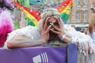 Участник «Марша равенства» в поддержку ЛГБТ сообщества в Киеве