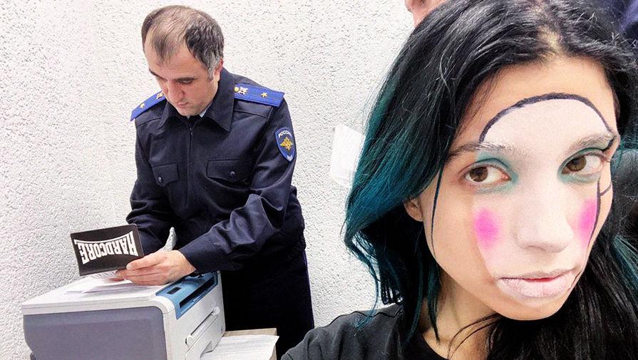 Толоконникову из Pussy Riot выпустили из отделения в Петербурге