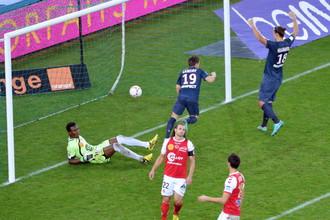 Гол Гамейро вывел ПСЖ в лидеры чемпионата Франции