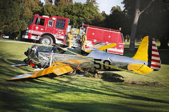 Харрисон Форд совершил аварийную посадку на поле для гольфа