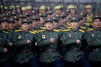 Военный парад в честь 70-летия Трудовой партии Кореи в Пхеньяне, 10 октября 2015 года