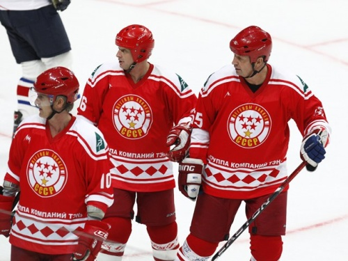 Легенды нашего хоккей померятся силами между собой