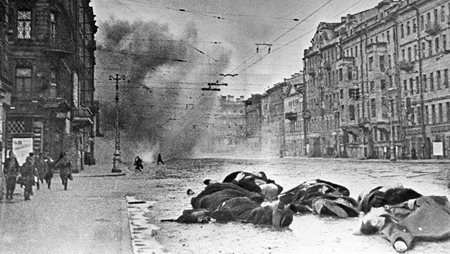 Невский проспект после обстрела немецкой артиллерией