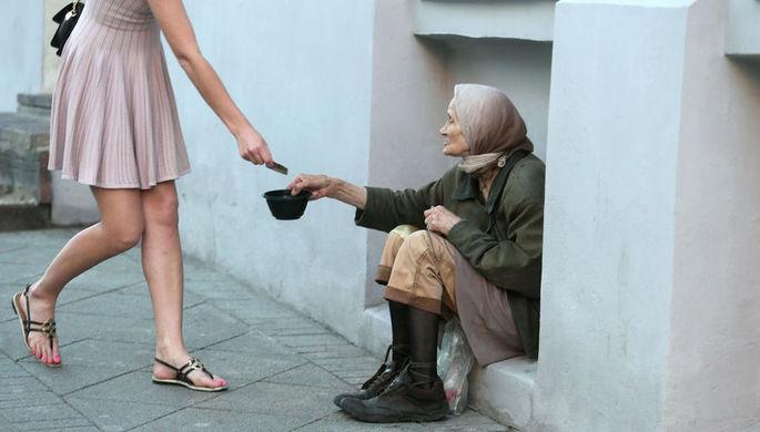 Догонят и добавят: что власти обещают бедным
