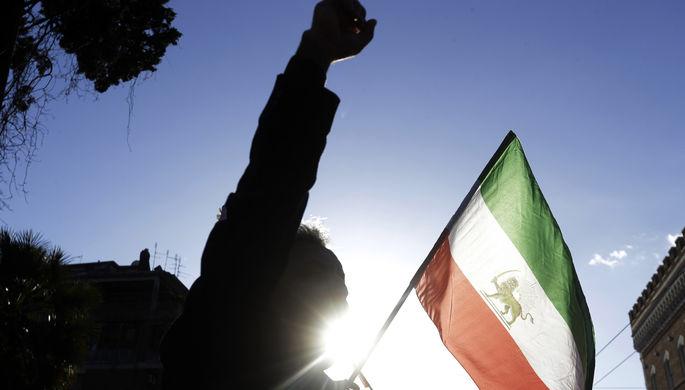 «Подавить их будет сложно»: Иран захлестнули протесты