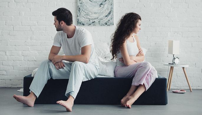 «Болтаюсь у нее под ногами»: как самоизоляция приводит к разводам