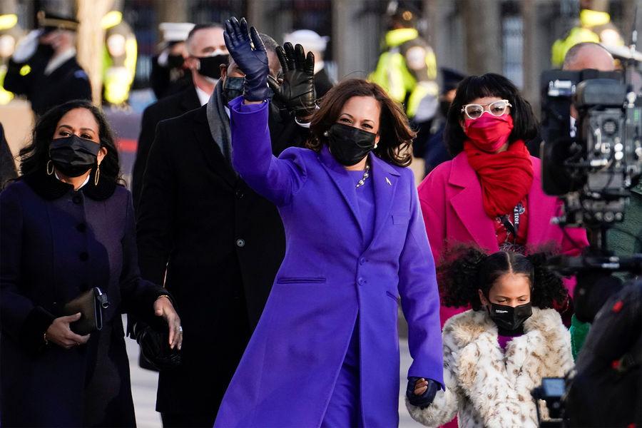 Вице-президент США Камала Харрис нацеремонии инаугурации Джо Байдена