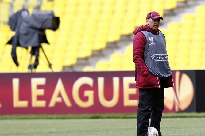 Наставник «Рубина» Курбан Бердыев раздумывает над тем, как будет играть с «Челси»