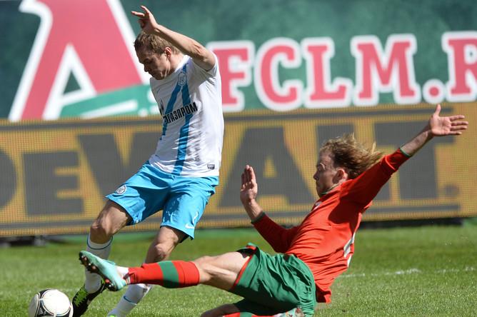 Защитник хозяев Виталий Денисов стал невольным участником гола в ворота своей команды