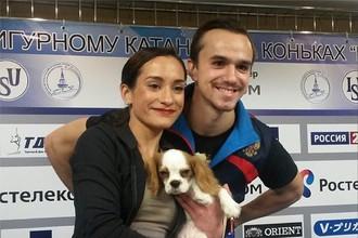 Ксения Столбова и Федор Климов с любимцем Дени