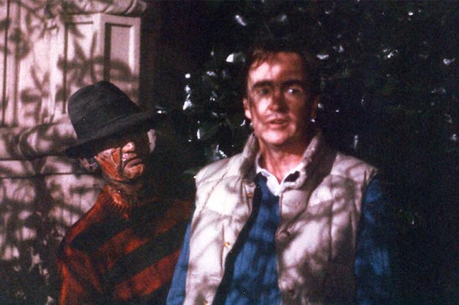 На съемках фильма «Кошмар на улице Вязов» (1984)