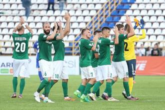 Футболисты «Томи» после домашнего матча с «Оренбургом»