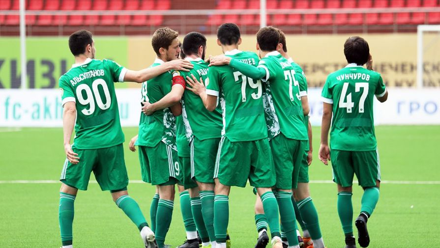 Футболисты молодежного состава «Ахмата»
