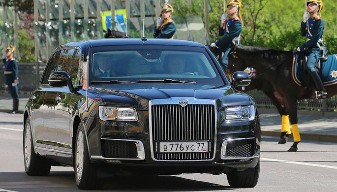 Новый российский лимузин проекта «Кортеж» во время инаугурации президента Владимира...