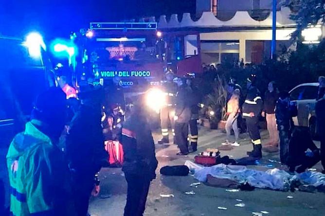 Последствия давки в ночном клубе в Коринальдо, Италия, 8 декабря 2018 года