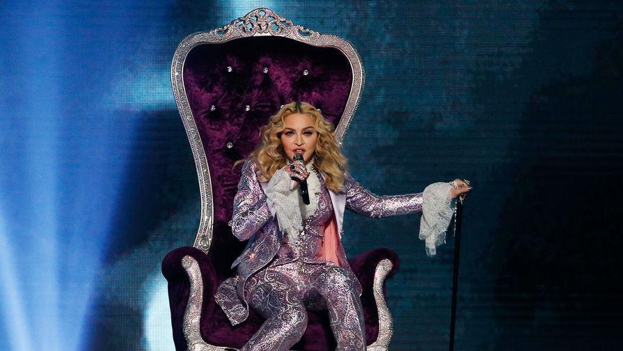 Певица Мадонна во время церемонии вручения премии Billboard Awards в Лас-Вегасе, 2016 год