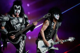 Все, кроме музыки: как Джин Симмонс сделал из Kiss легенду