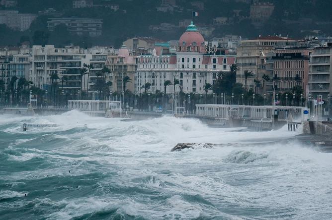 Последствия шторма «Алекс» в Ницце