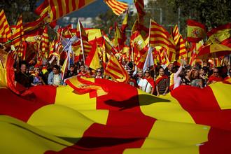 Массовая акция против независимости Каталонии прошла в Барселоне, 29 октября 2017