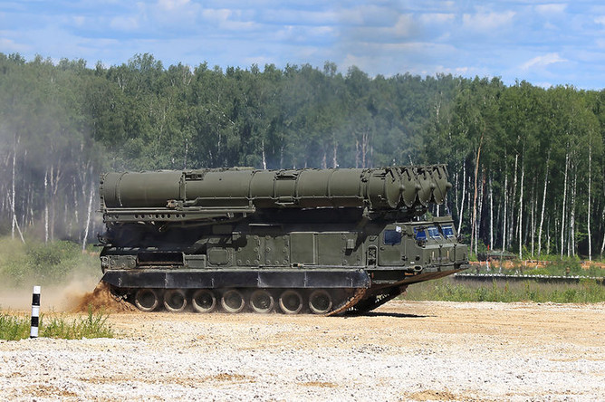 Ракетный комплекс С-300 на полигоне Алабино
