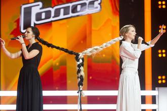 Светлана Иванова и Мария Зиброва во время «нокаутов» шоу «Голос-6»