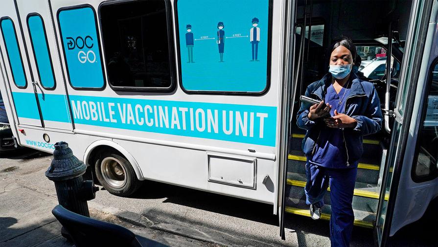 Выступавший против вакцинации радиоведущий скончался от COVID-19
