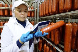 Упругая и ровная: как выбрать колбасу