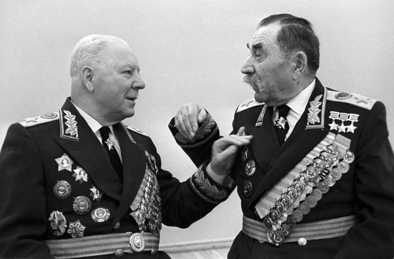 Маршалы Советского Союза Клим Ворошилов и Семен Буденный, 1968 год