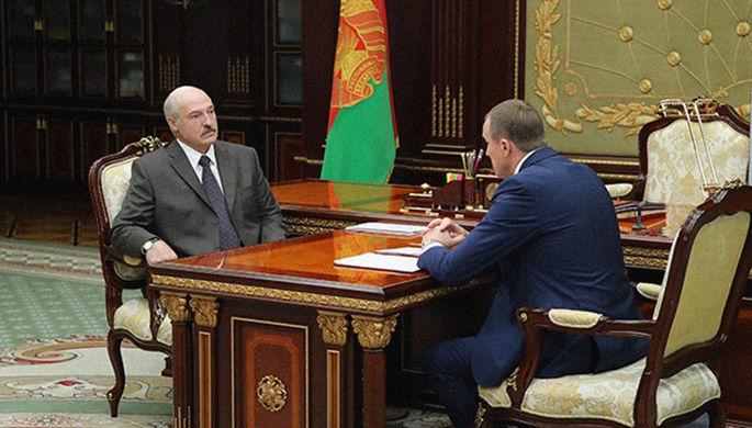 Президент Белоруссии Александр Лукашенко во время встречи с председателем Минского облисполкома...