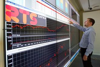 Отток из фондов, инвестирующих в российские акции, продолжается девять недель подряд